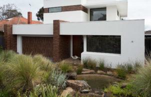 White Pebble House